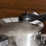 Schnellkochtopf – welche Größe darf es sein?